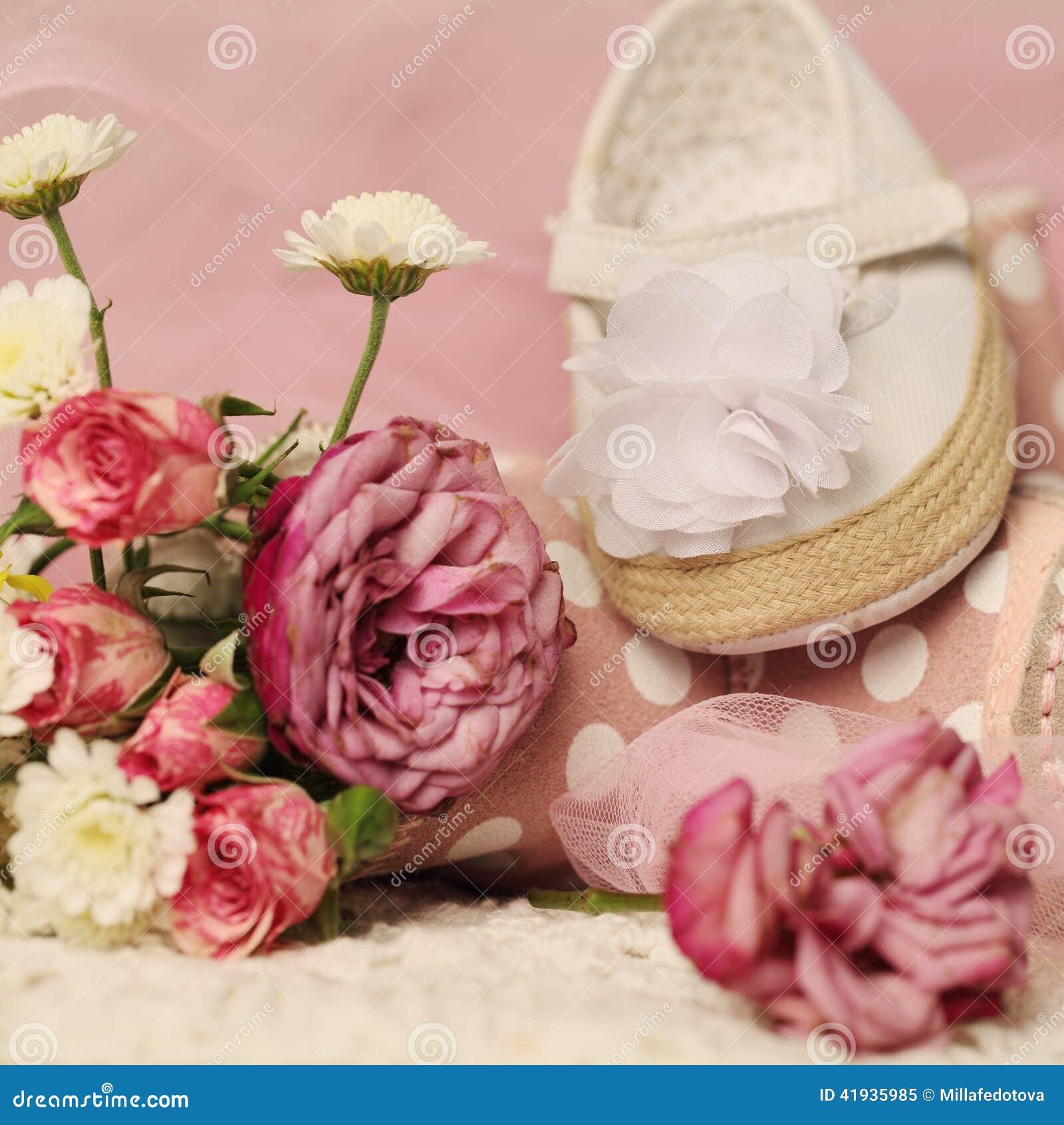 mooie achtergrond voor de verjaardagskaart van het babymeisje stock