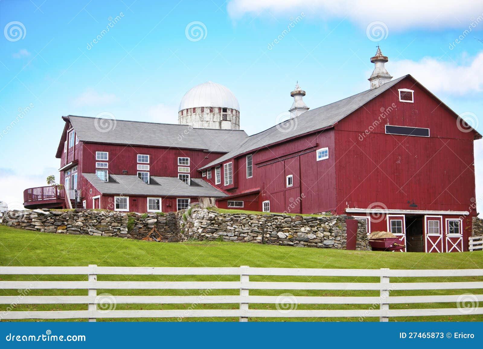 Mooie Amerikaanse Boerderij Stock Foto s Afbeelding