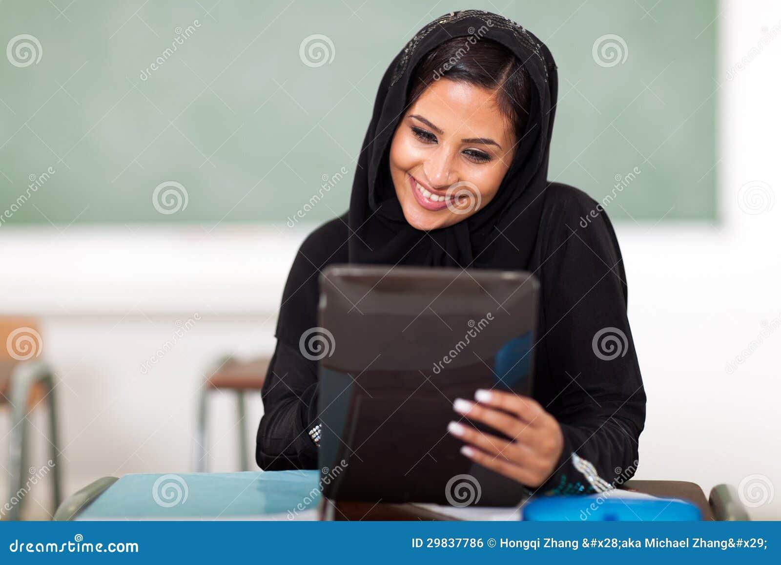 Als laatste merkt ze op dat met name mensen met een Arabische.