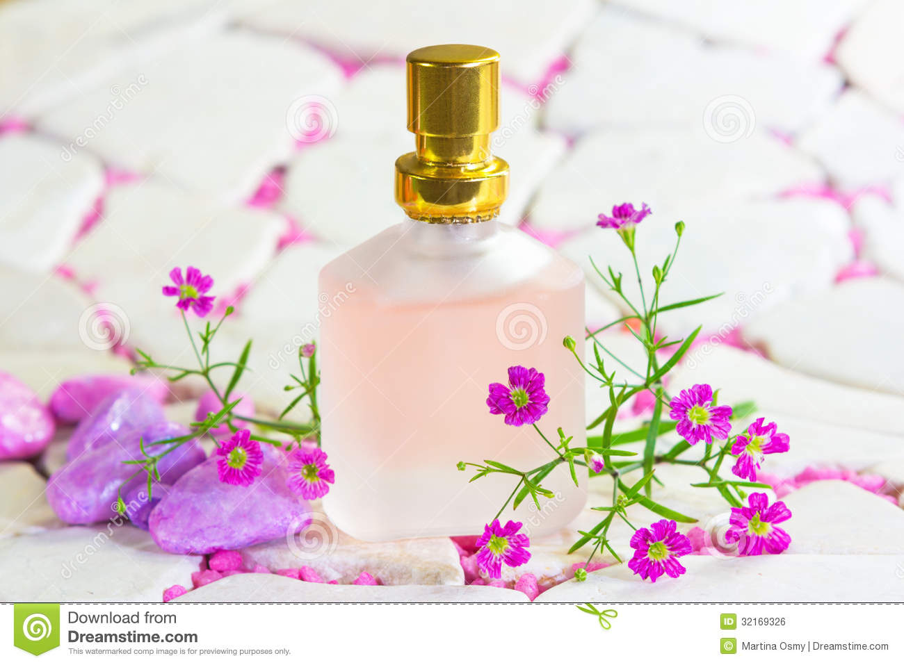 Resenha De Perfumes Kenzo L Eau Par Feminino Preco as well Tinte Pelo Naturtint N 8a Rubio Ceniza likewise Le Parfum Kenzo World 1492 additionally The Perfume Book By Gosha Rubchinskiy furthermore P. on kenzo perfume