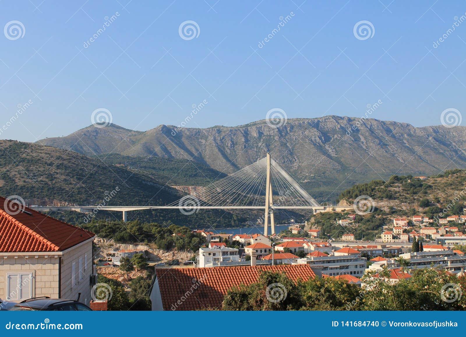 Mooie brug in Dubrovnik Kroatië