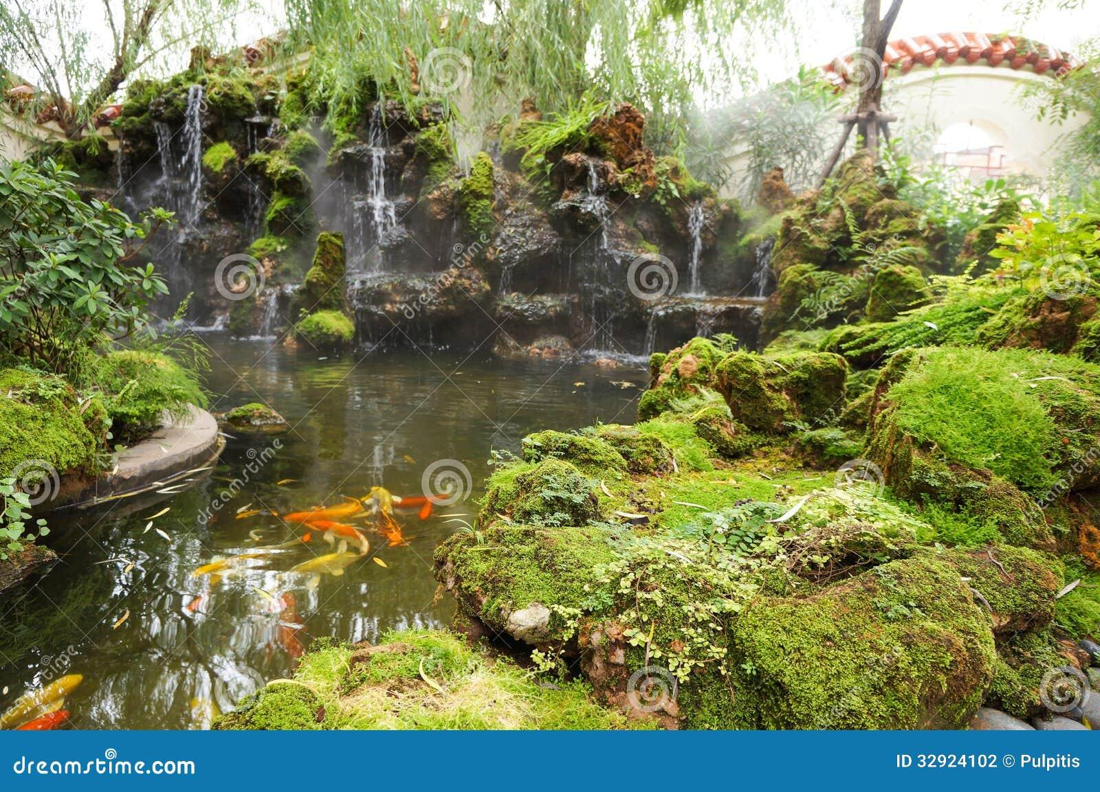 Mooie chinese tuin stock foto afbeelding bestaande uit for Mooie tuinen afbeeldingen