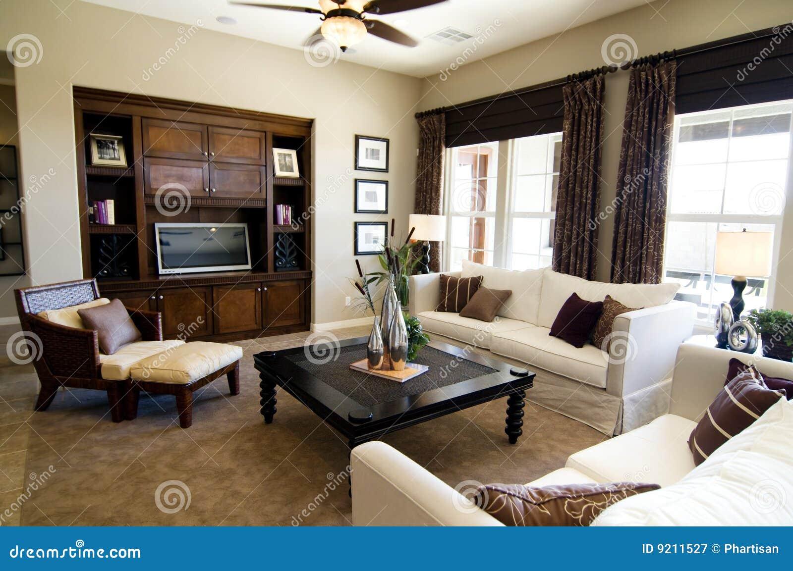 Mooie grote woonkamer royalty vrije stock fotografie afbeelding 9211527 - Deco grote woonkamer ...