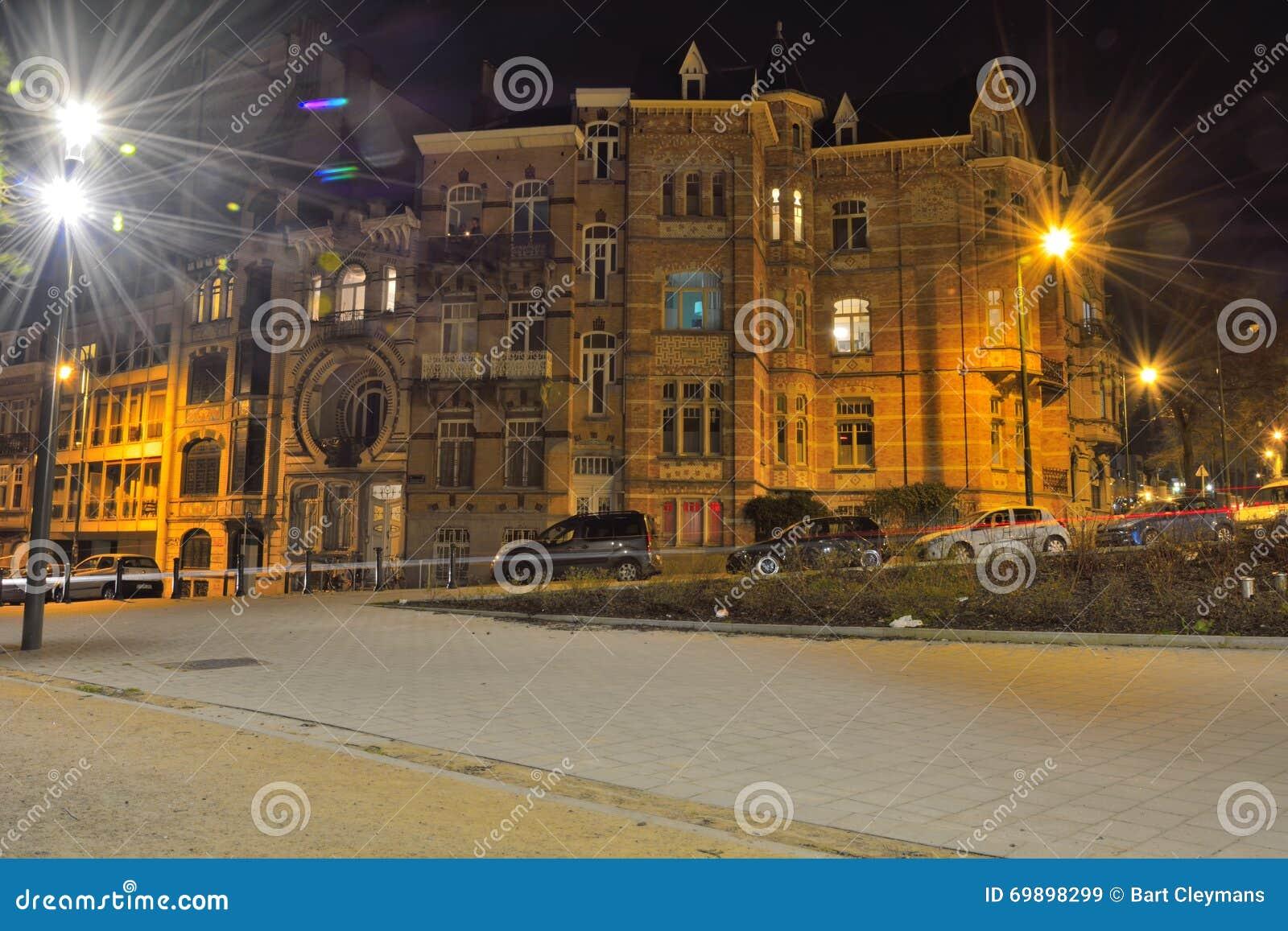 Mooie historische huizen in brussel redactionele stock afbeelding afbeelding 69898299 - Deco huizen ...