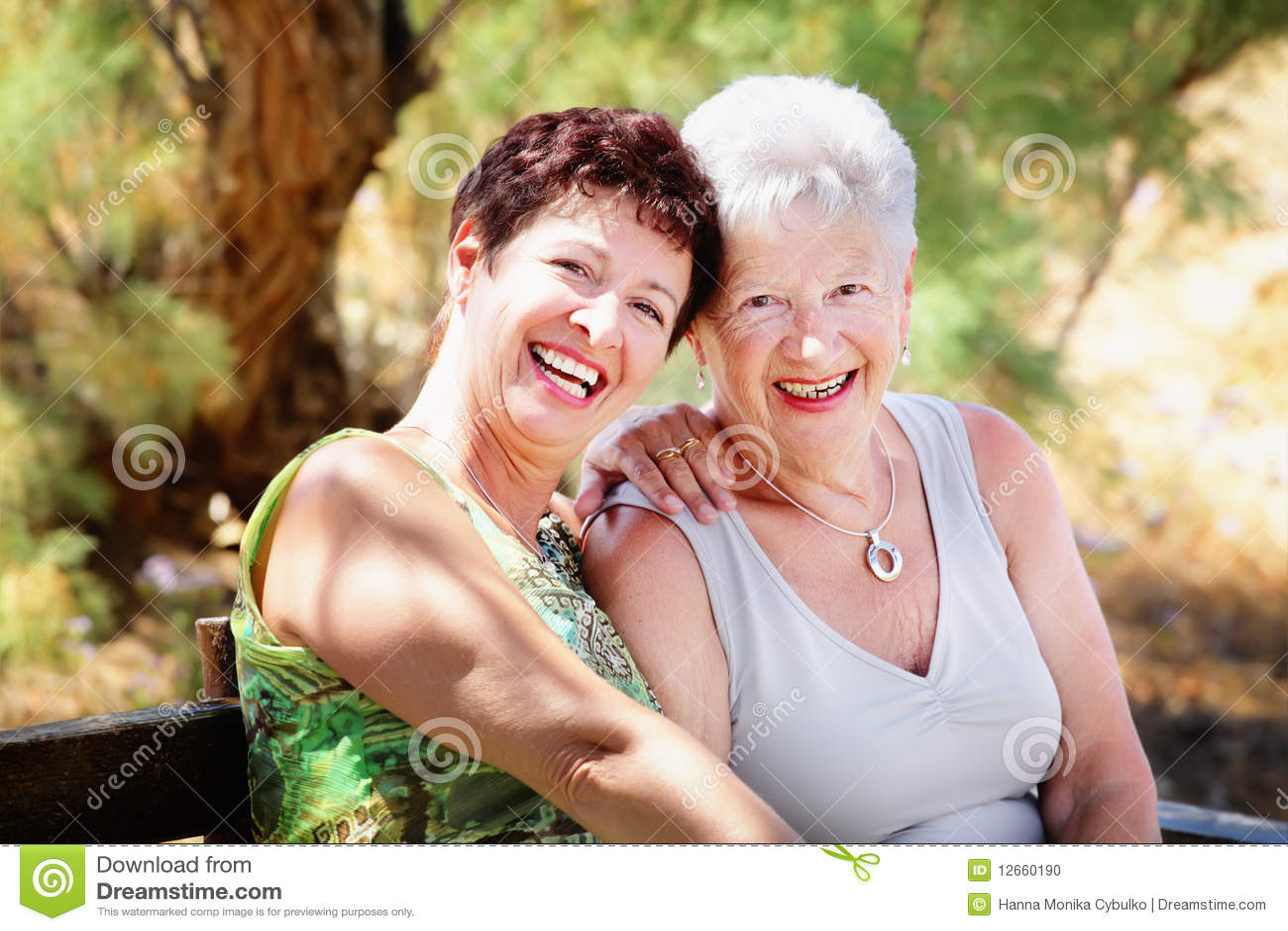 Mooie hogere moeder en dochter
