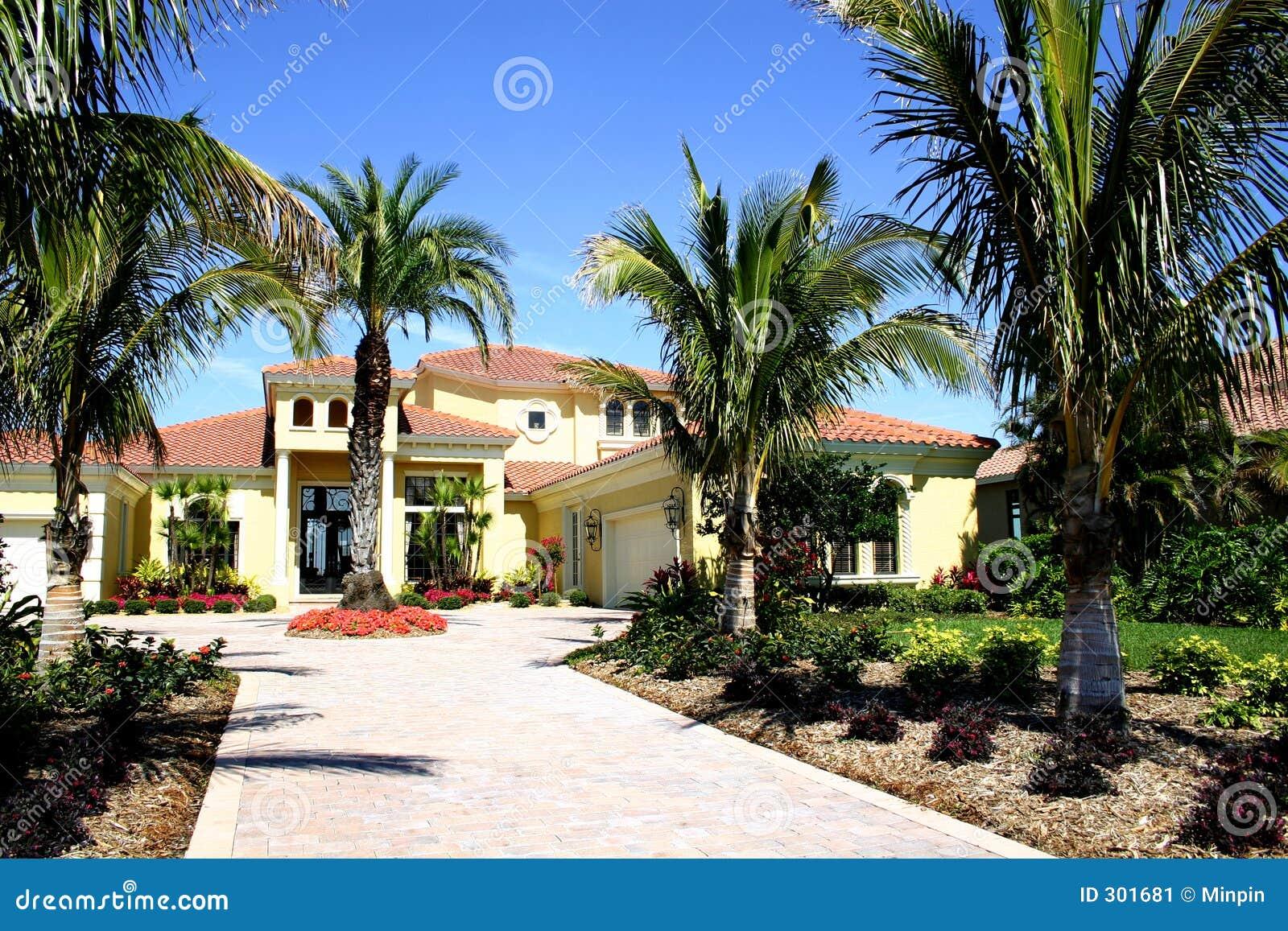 Mooie ingang aan huis stock afbeelding beeld 301681 - Huis ingang ...