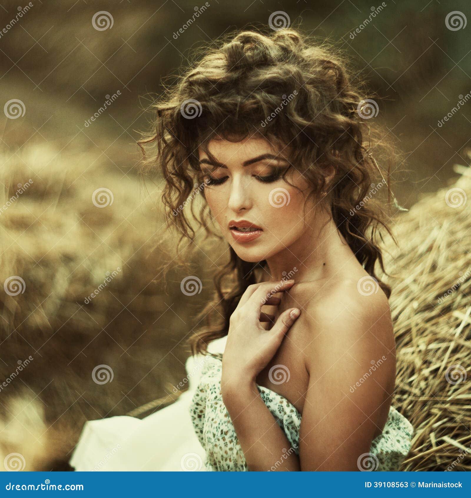 Mooie krullende vrouwen