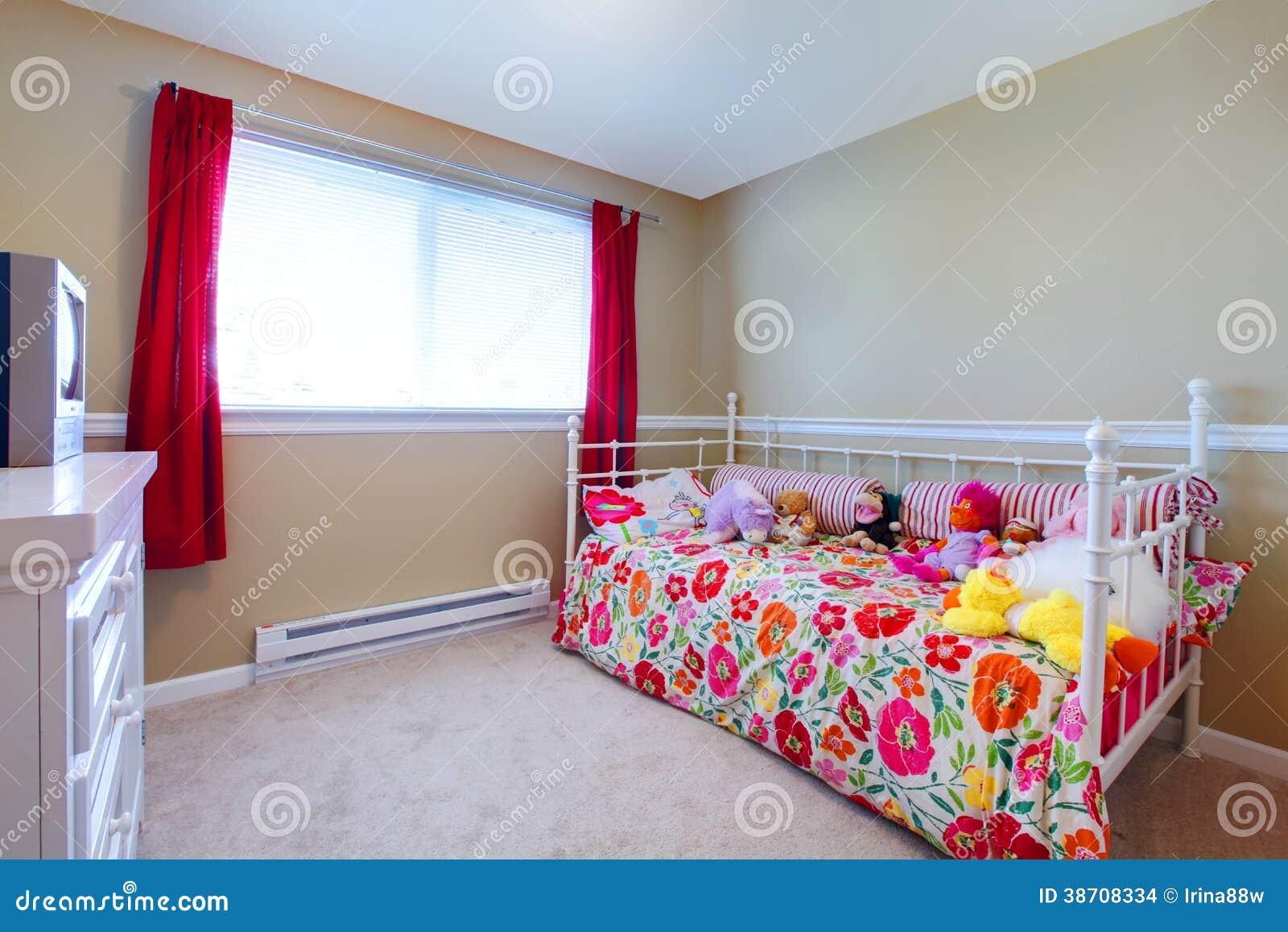 Mooie meisjesslaapkamer stock foto afbeelding bestaande for Belle chambre de fille