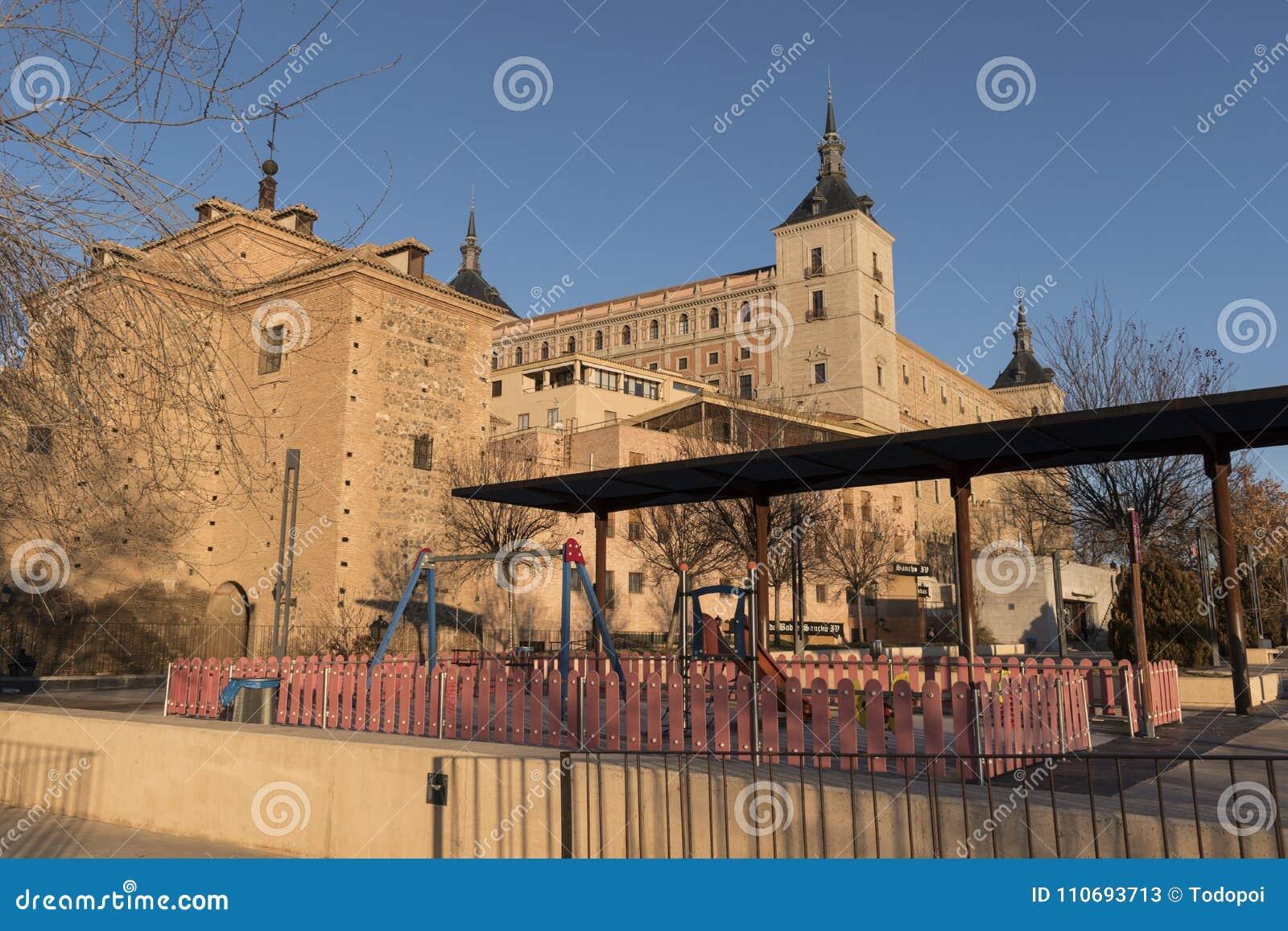 Mooie mening van Alcazar DE Toledo van Corralillo DE San Miguel in Toledo, Castilla La Mancha, Spanje