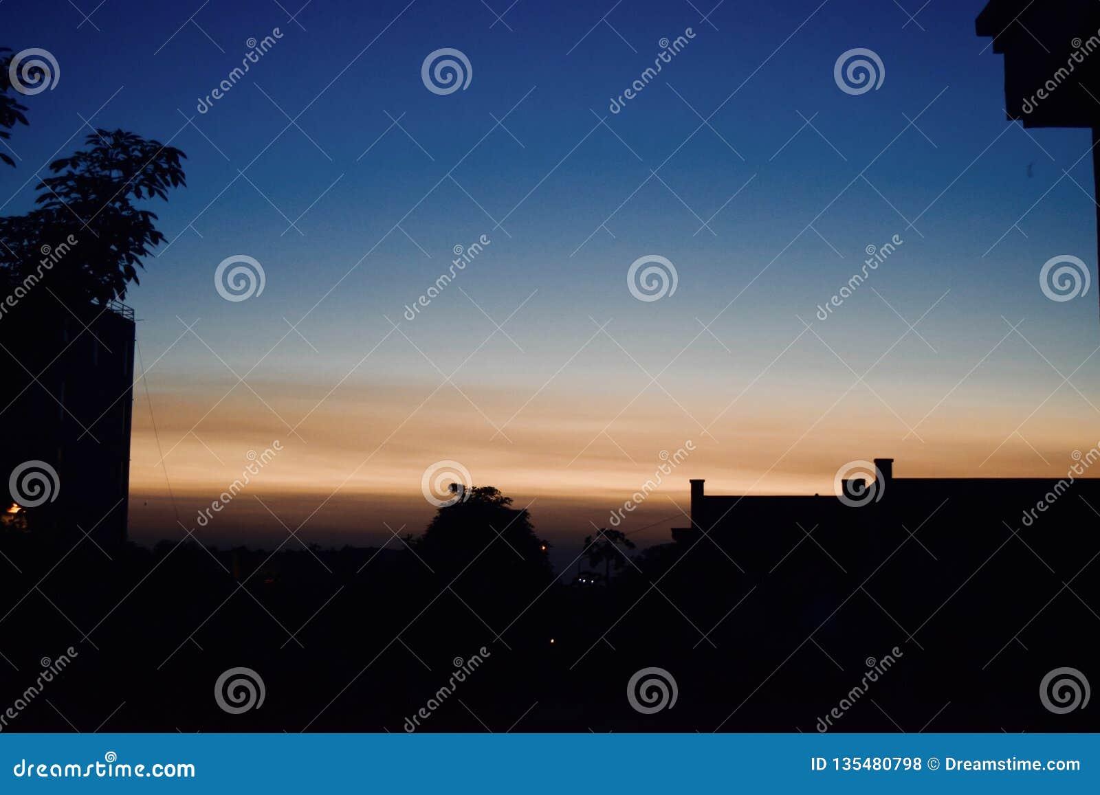 Mooie mening van een zonsondergang