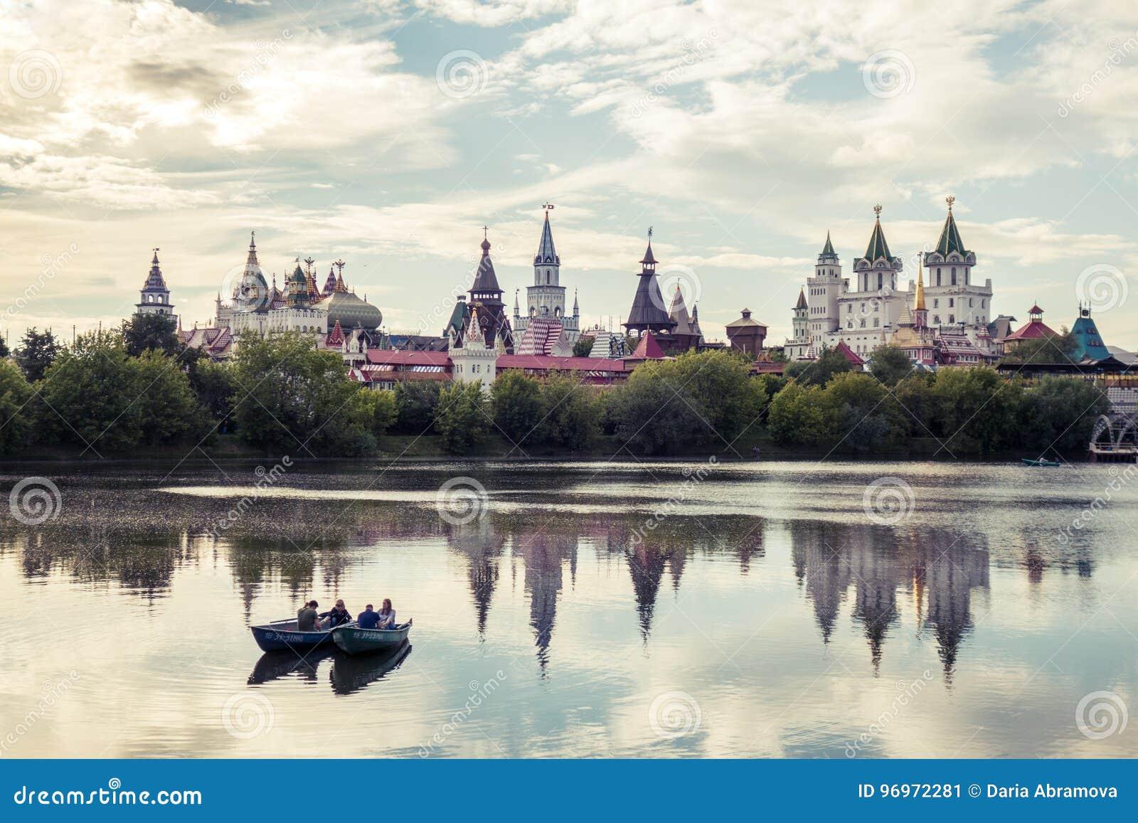 Mooie mening van Izmaylovo het Kremlin in Izmaylovo-district, Moskou