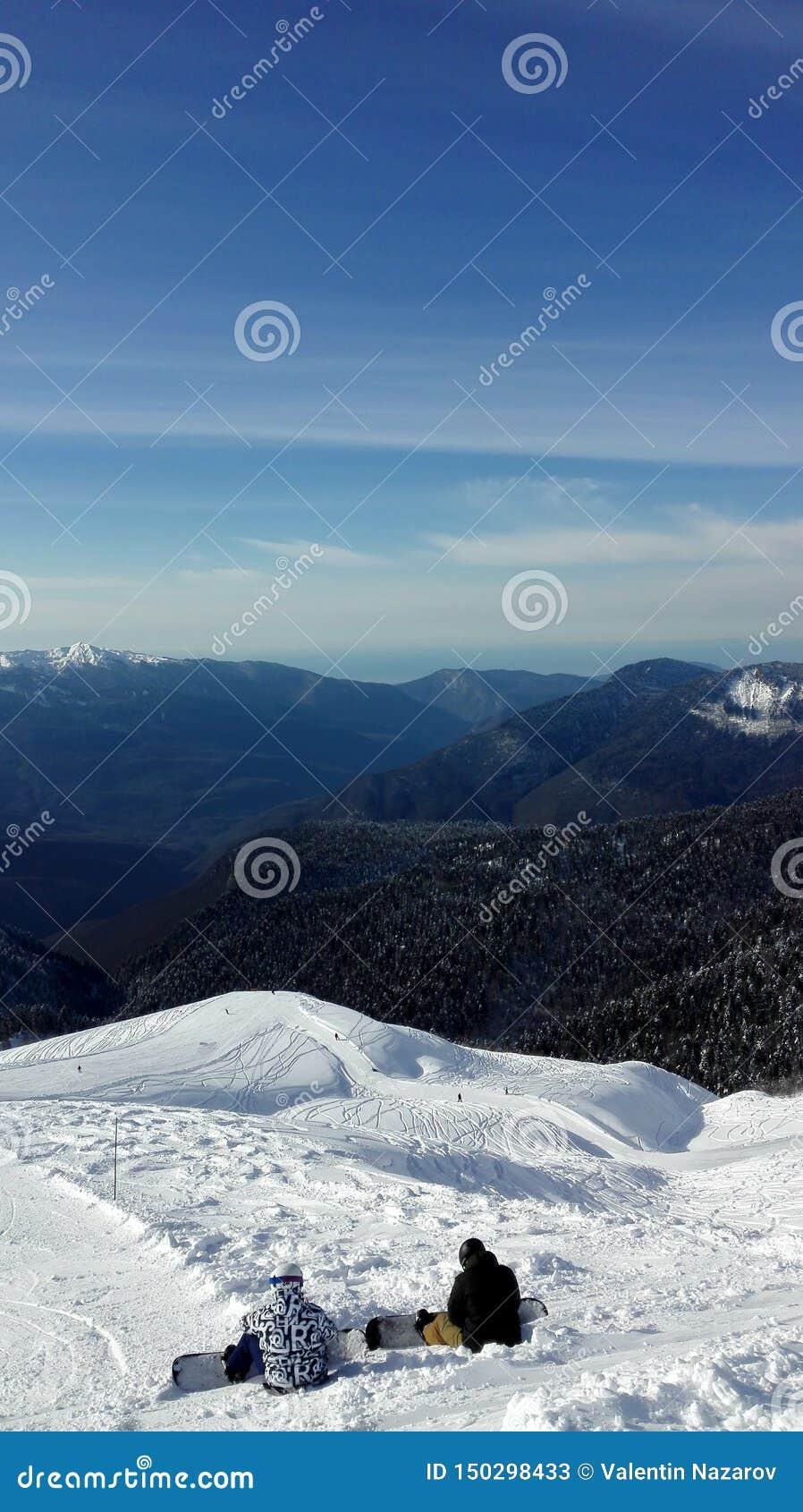 Mooie mening vanaf de bovenkant van de berg