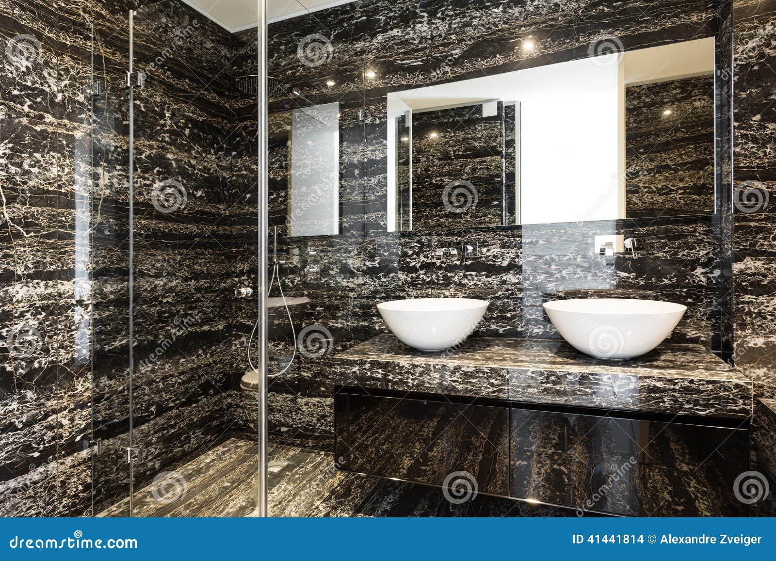 Mooie moderne badkamers stock foto afbeelding bestaande uit