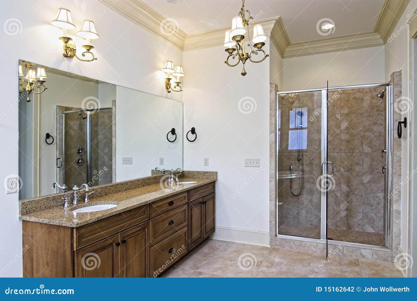 Mooie nieuwe badkamers stock foto afbeelding bestaande uit duur 15162642 - Mooie badkamers ...