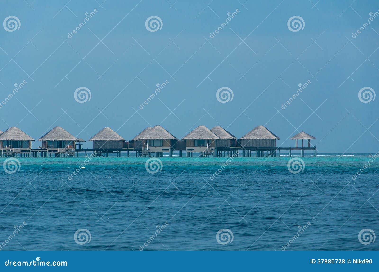 Mooie overweldigende Waterbungalow in het overzees in de Maldiven
