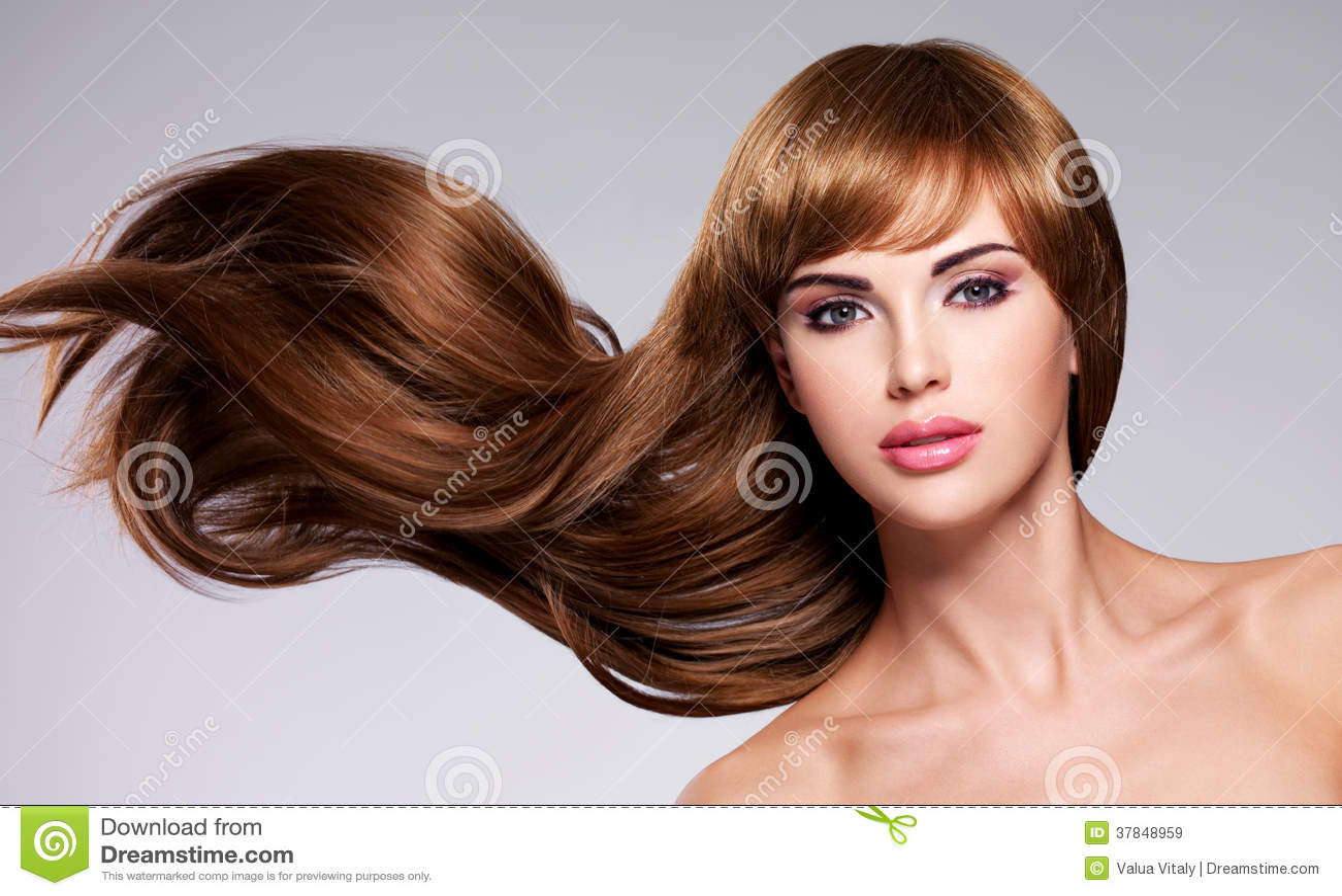 Mooie sexy vrouw met lang haar
