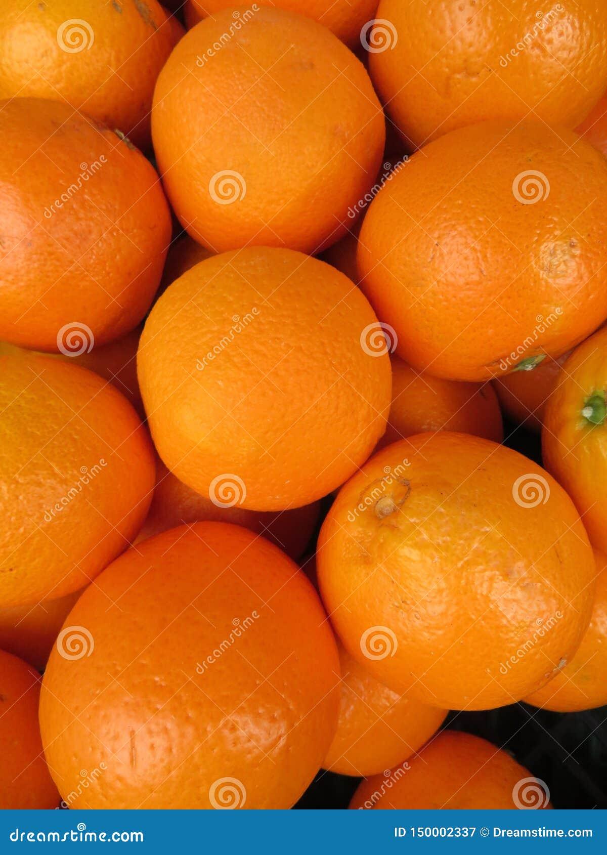 Mooie sinaasappelen van een ongelooflijke kleur en een heerlijk aroma