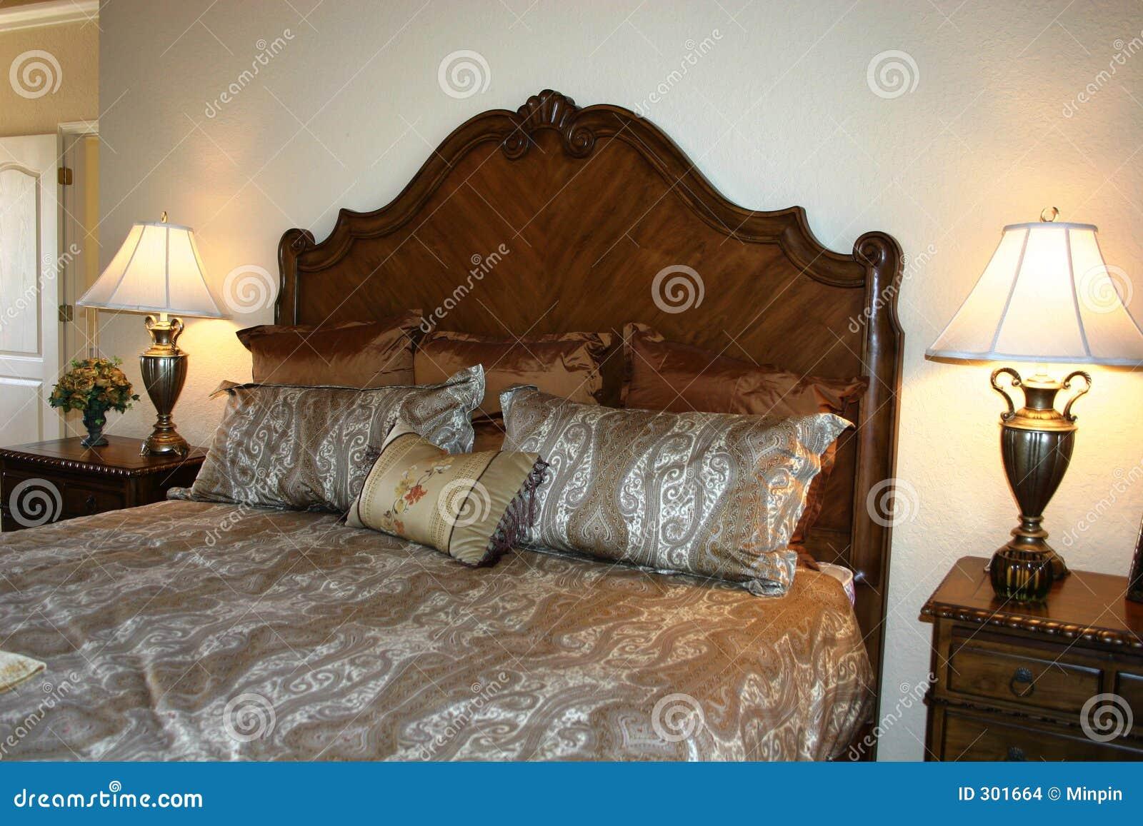 Mooie slaapkamer stock afbeeldingen   afbeelding: 301664