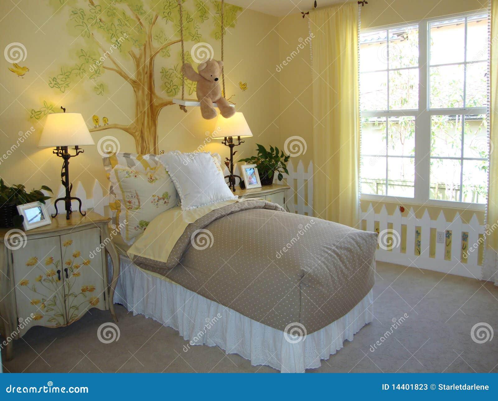 Gele Muur Slaapkamer : Mooie slaapkamer childs stock afbeelding afbeelding bestaande uit