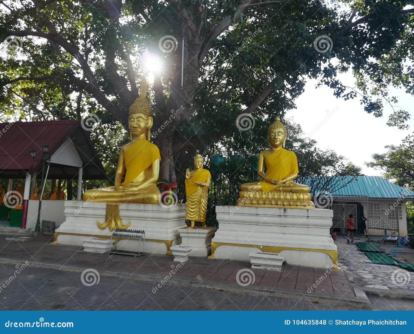 Download Mooie Tempels En Aantrekkelijkheden Historisch In Thailand Redactionele Stock Foto - Afbeelding bestaande uit aantrekkelijkheden, tempels: 104635848
