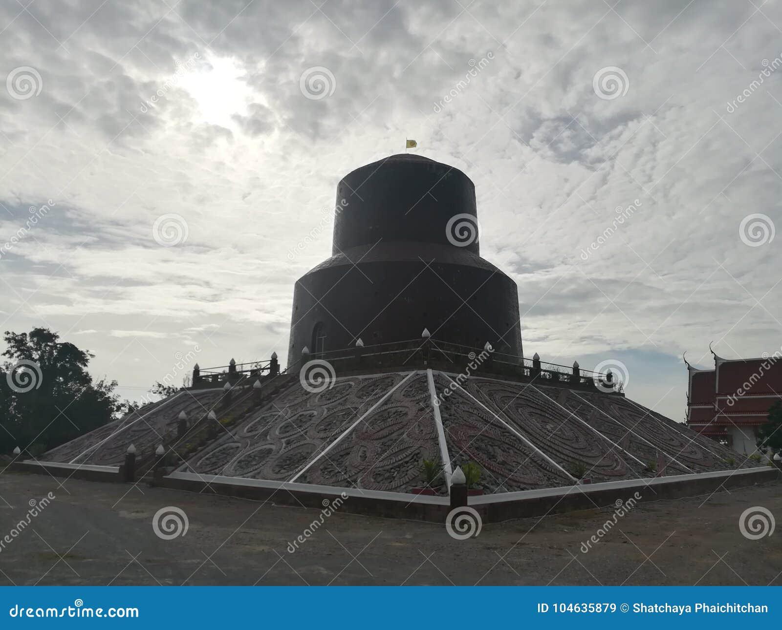 Download Mooie Tempels En Aantrekkelijkheden Historisch In Thailand Stock Afbeelding - Afbeelding bestaande uit herdenkings, hemel: 104635879