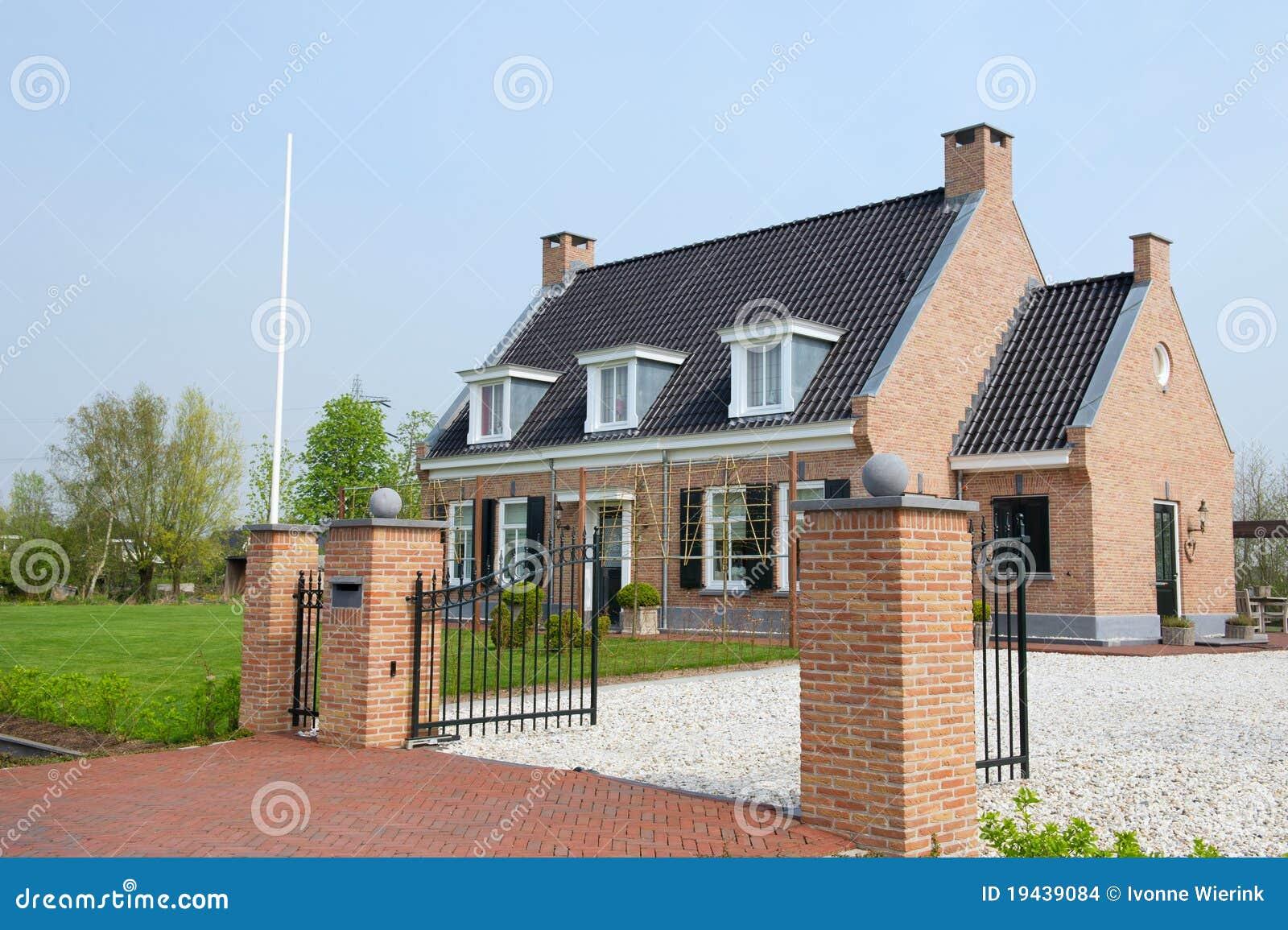 Mooie villa stock foto afbeelding bestaande uit woon 19439084 - Mooie huis foto ...
