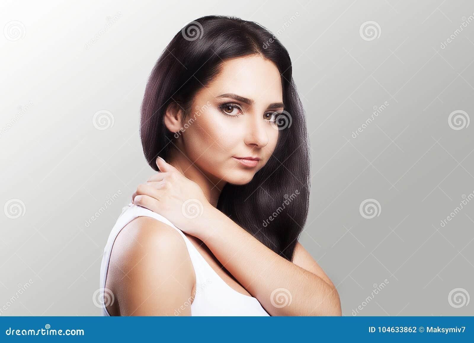 Download Mooie Vrouw De Vrouw Houdt Twee De Hals En De Schouders Overhandigen Dislocatie Koude Spierspanning Het Concept Gezondheid Op Stock Foto - Afbeelding bestaande uit verwonding, hand: 104633862