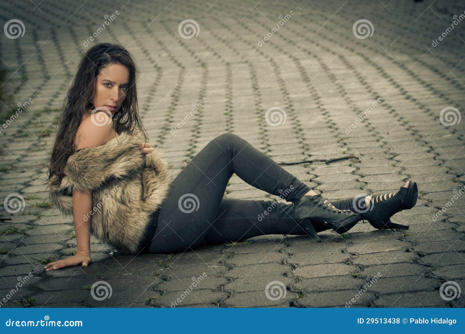 Mooie vrouw in een bontjas