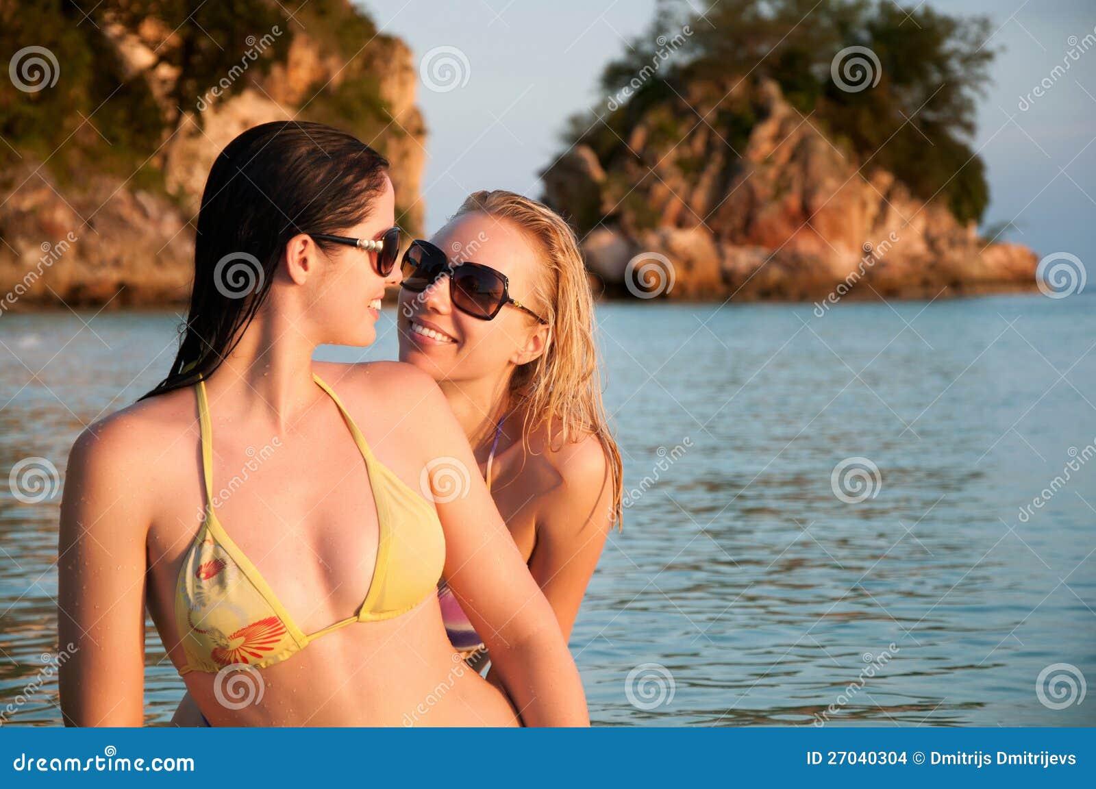 mooie vrouwen bikini seksfilmkes