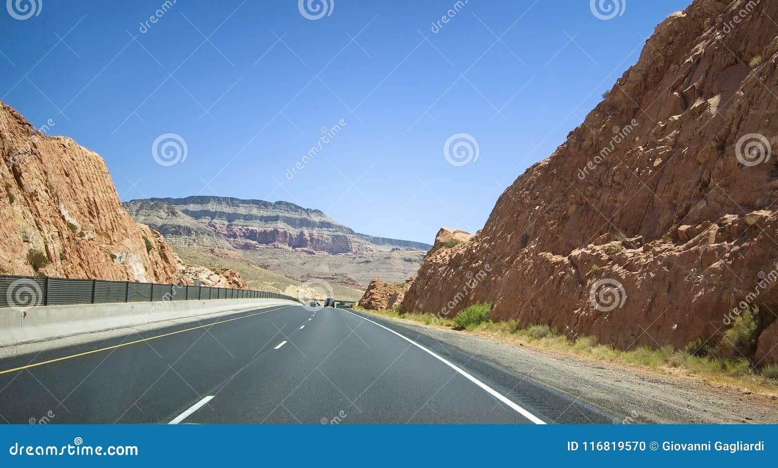 Mooie weg door Nationaal Park, Verenigde Staten