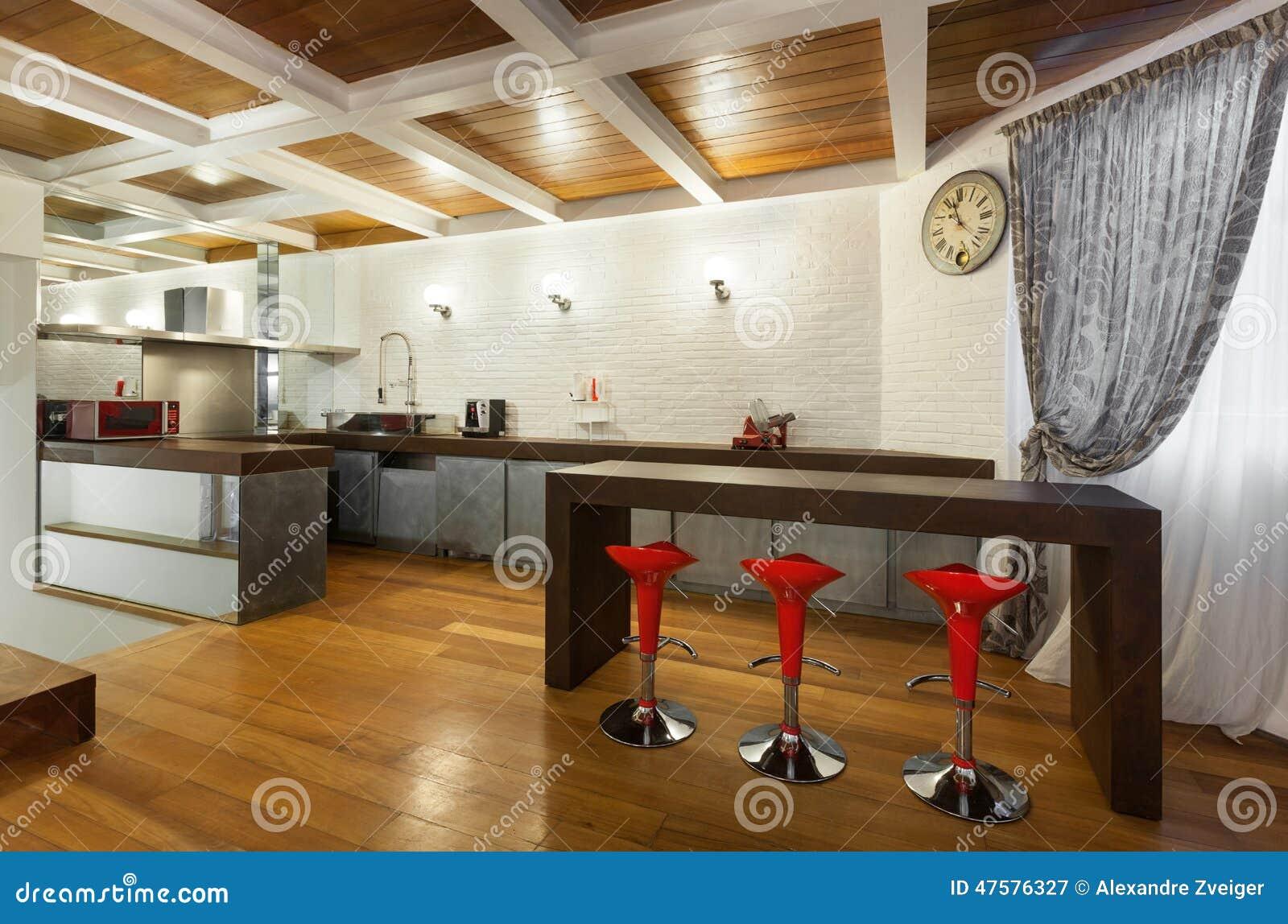 Open Keuken Bar : Mooie zolder open keuken stock afbeelding afbeelding bestaande