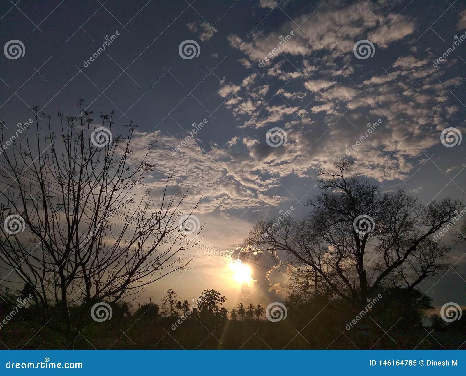 Mooie zonsondergang, ??n van aardwonder