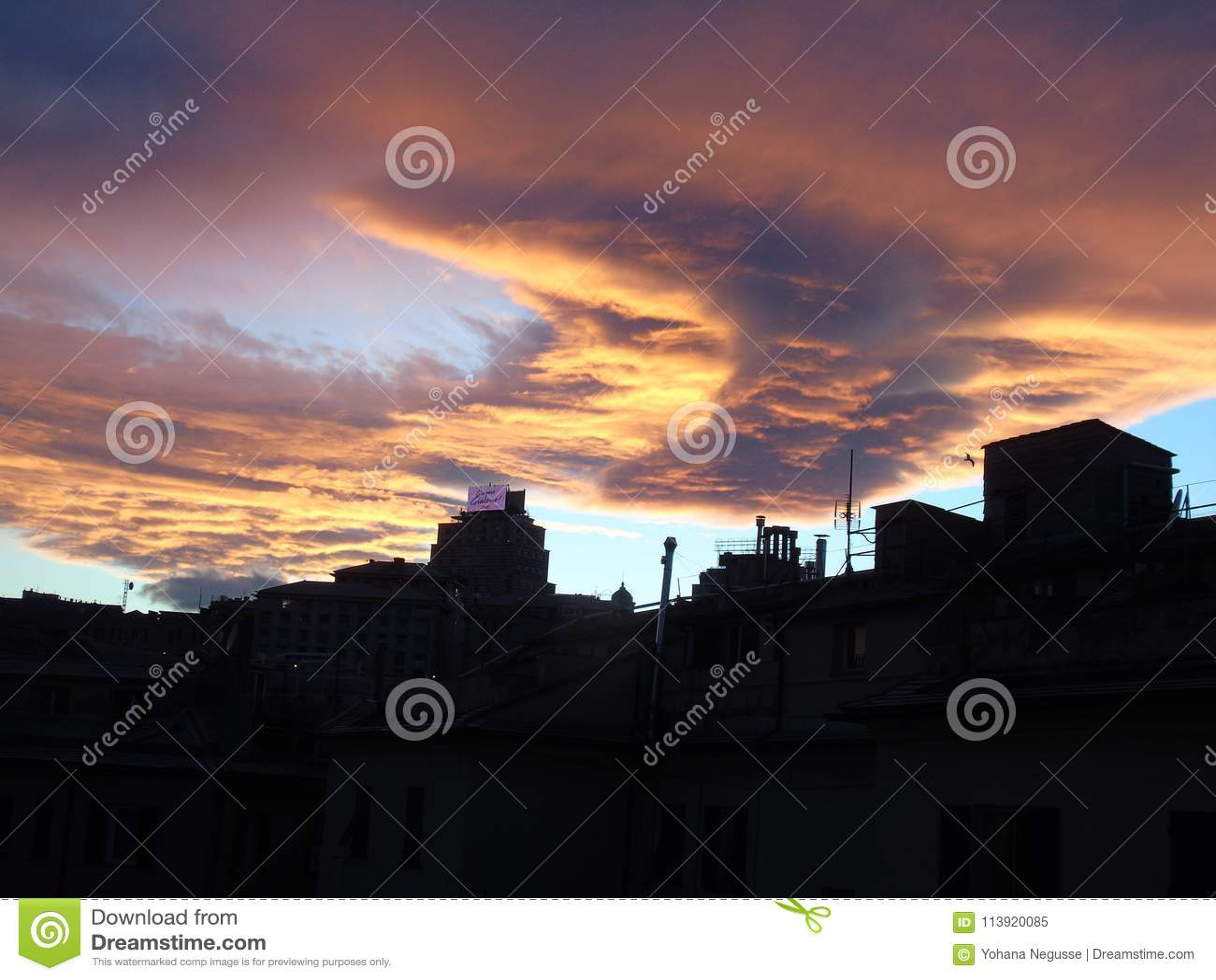 Mooie Zonsondergang over de Stad