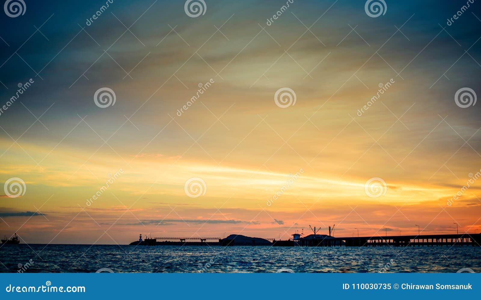 Mooie zonsondergangaard