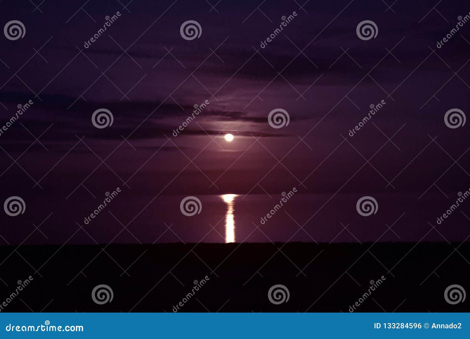 Moon and moonlight at sea