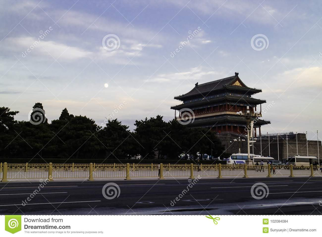 The moon on the Zhengyang Gate