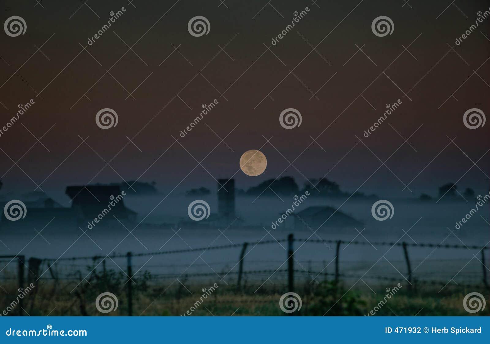 Moonrise Ozarks