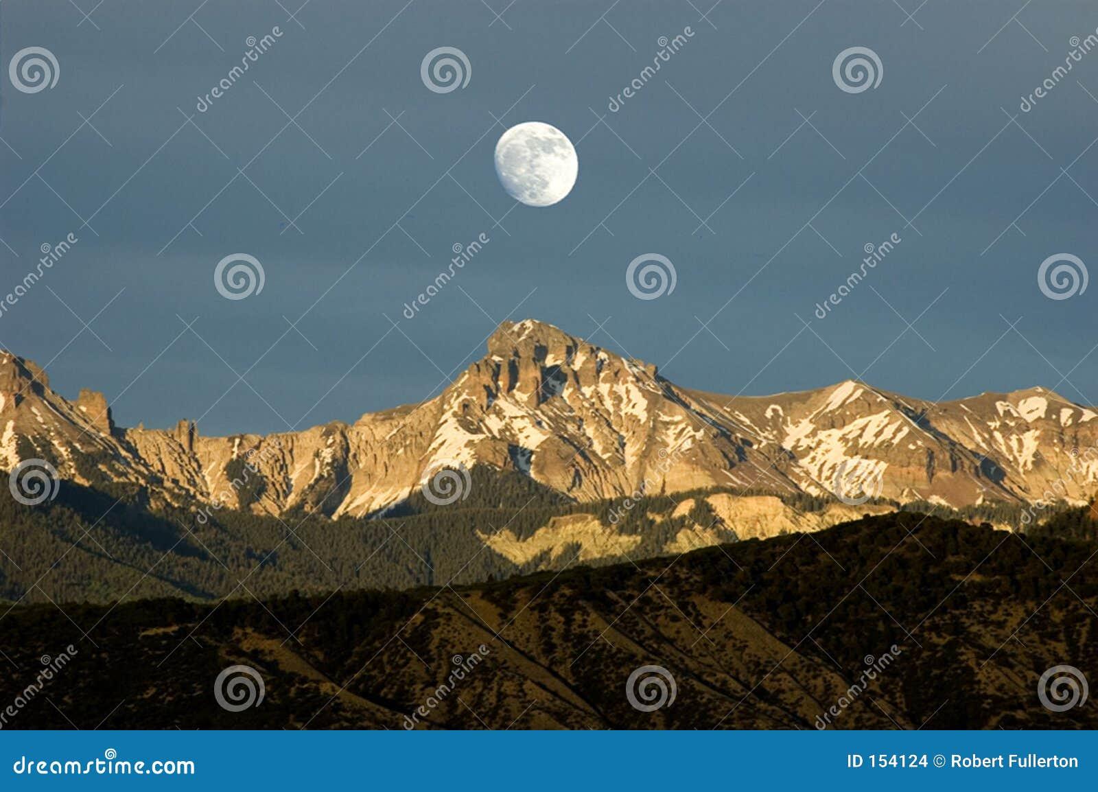 Moonrise sobre os cimmarons