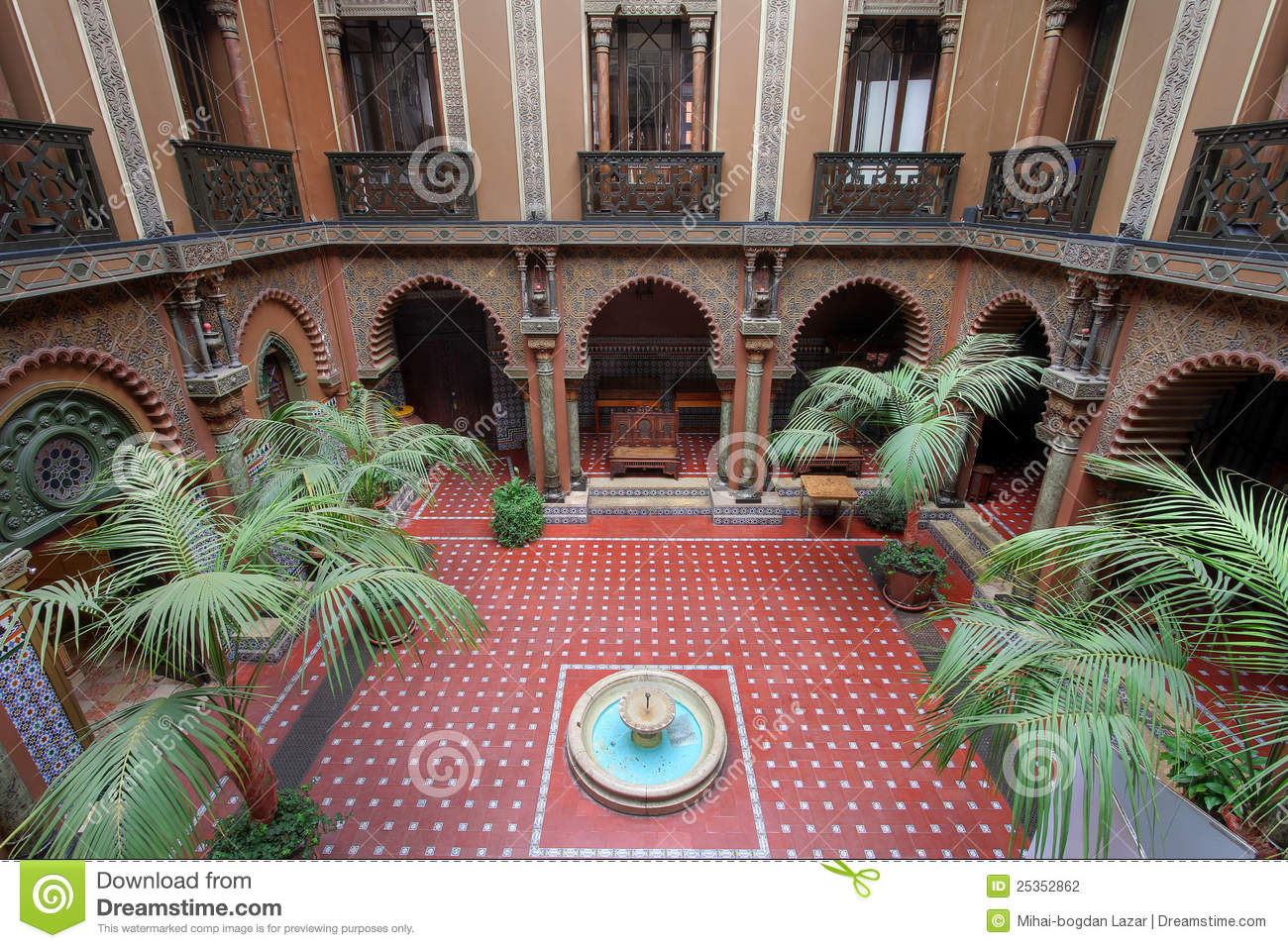 Moorish Patio Lisbon Portugal Stock Photo Image 25352862