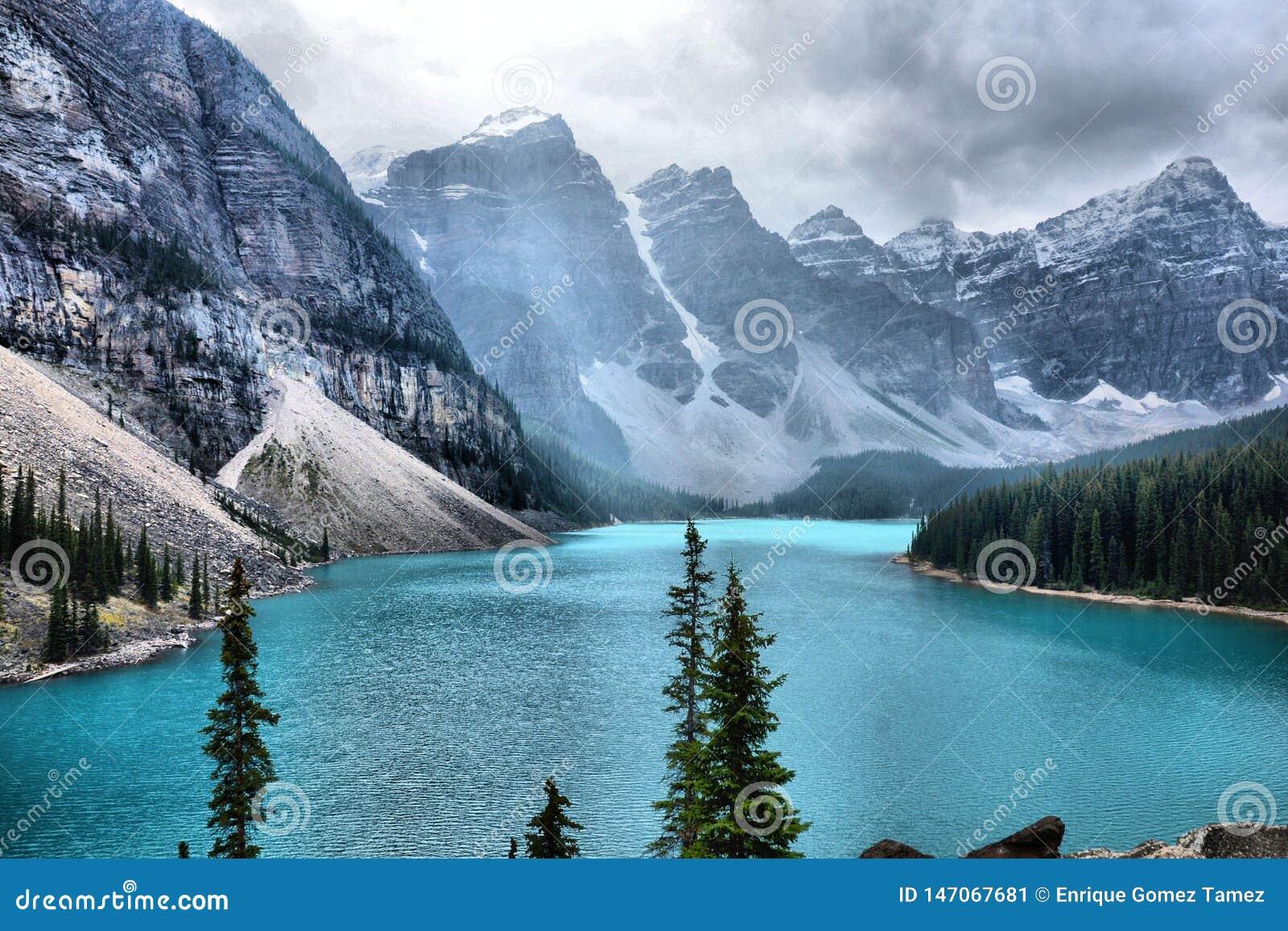 Moraine Lake Banff National Park Stock Image Image Of