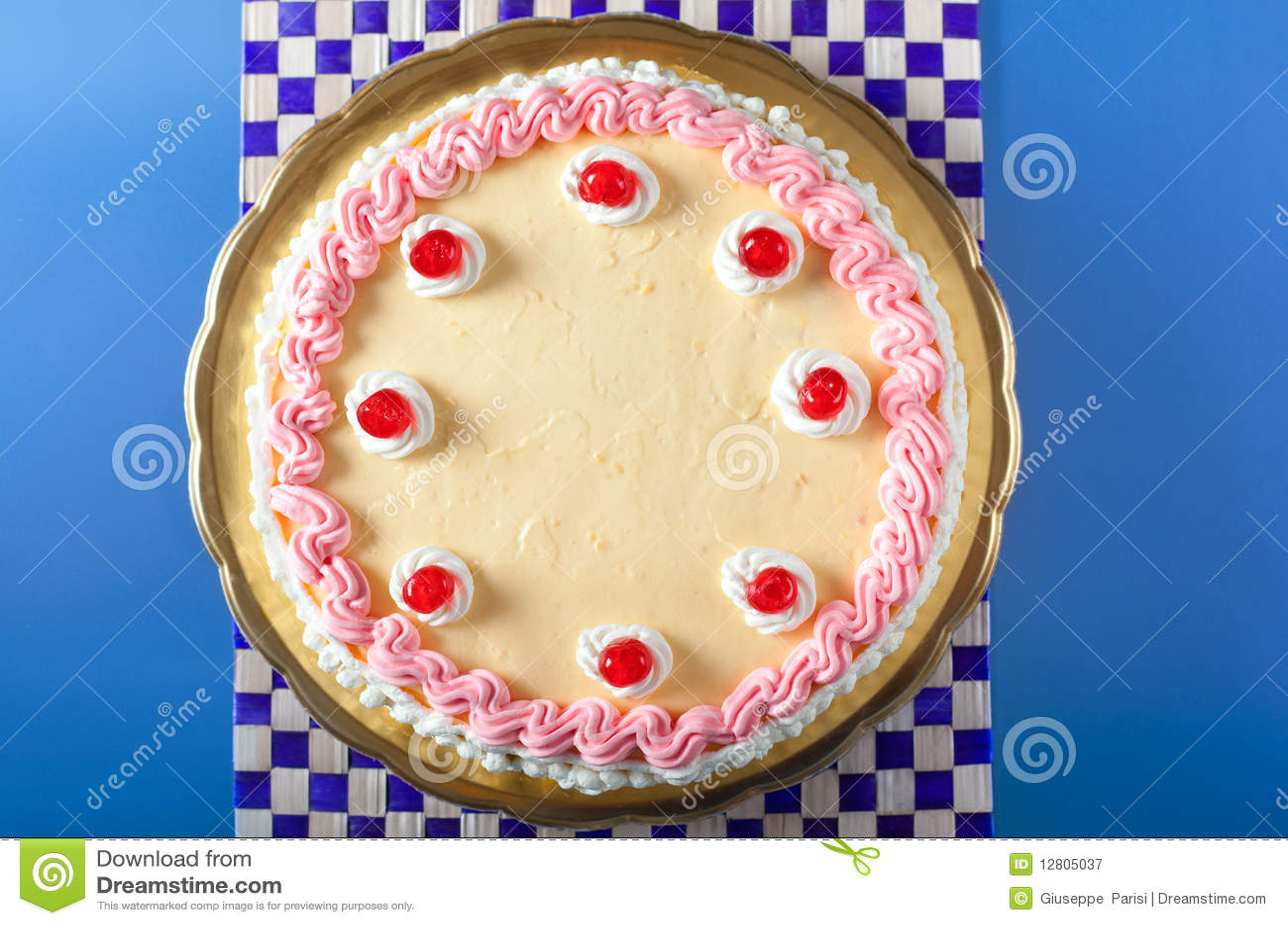 Morango do aniversário e bolo do creme