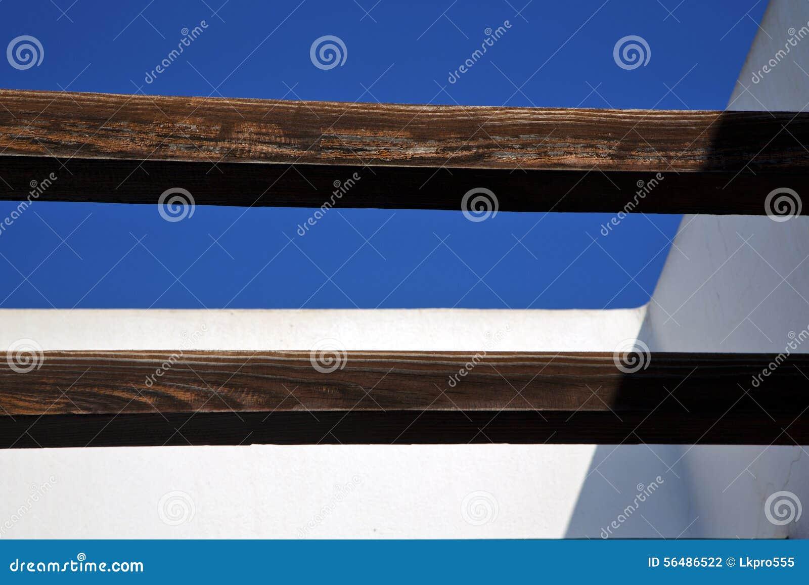 Morceau de toit brun dans le ciel Lanzarote Espagne