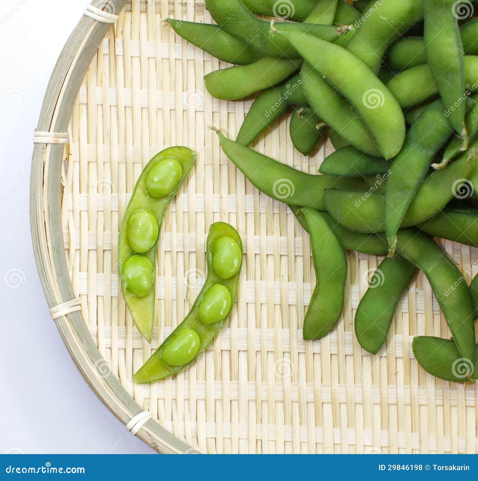 Mordidelas de Edamame, feijões verdes fervidos da soja, alimento japonês