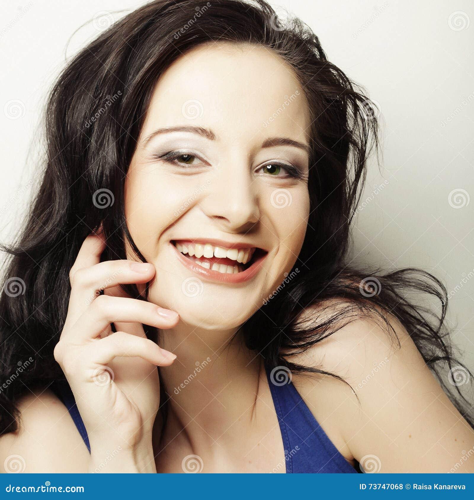 Morena de sorriso, tempo feliz