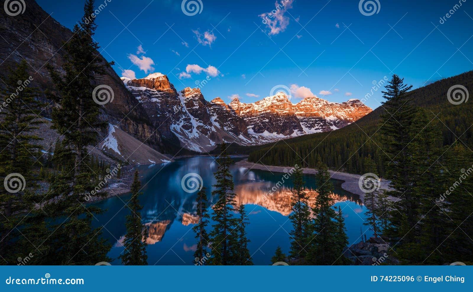 Morena jezioro w Banff, Alberta, Kanada
