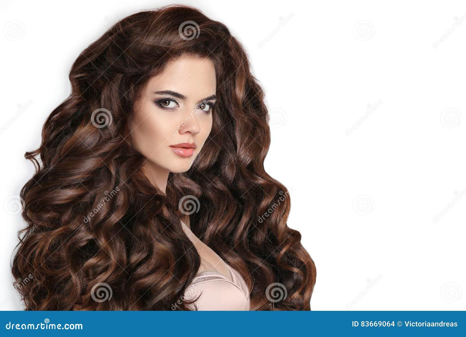 Rizado cabello largo morena desnuda