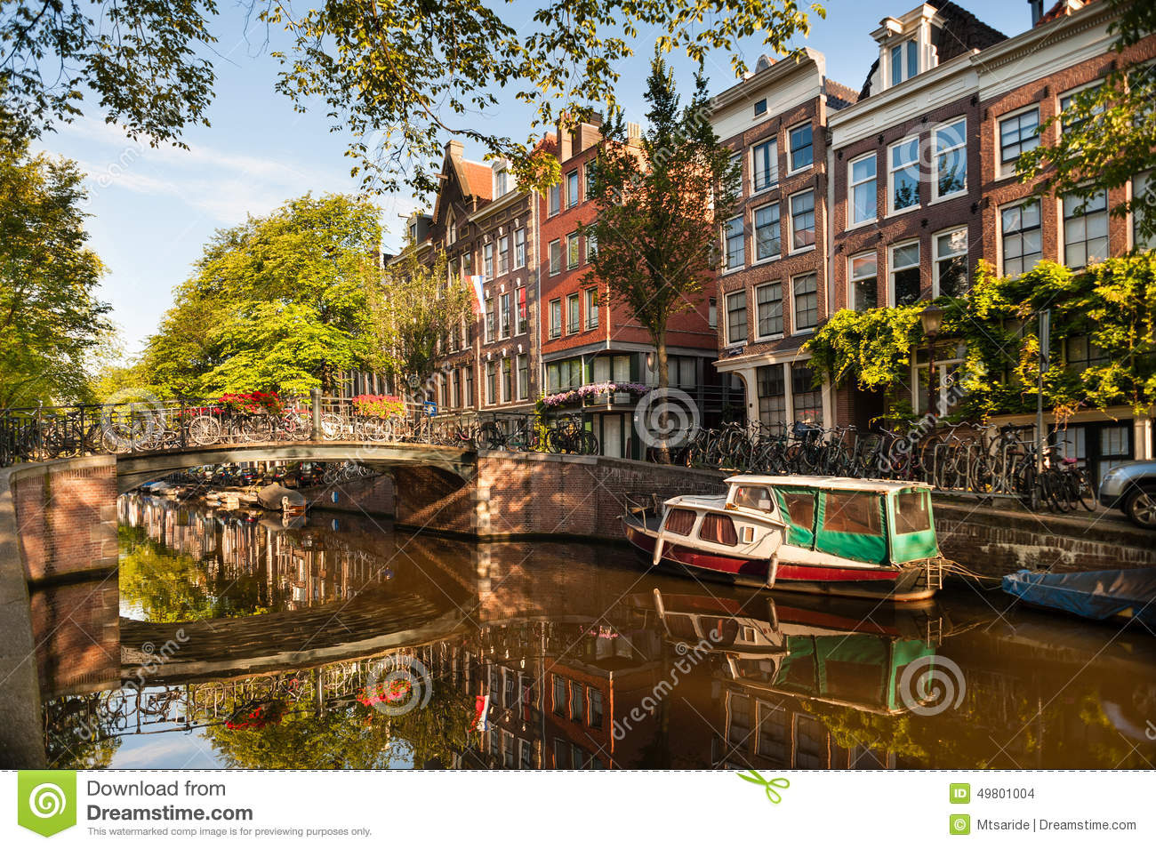 Morning on Amsterdam Canal