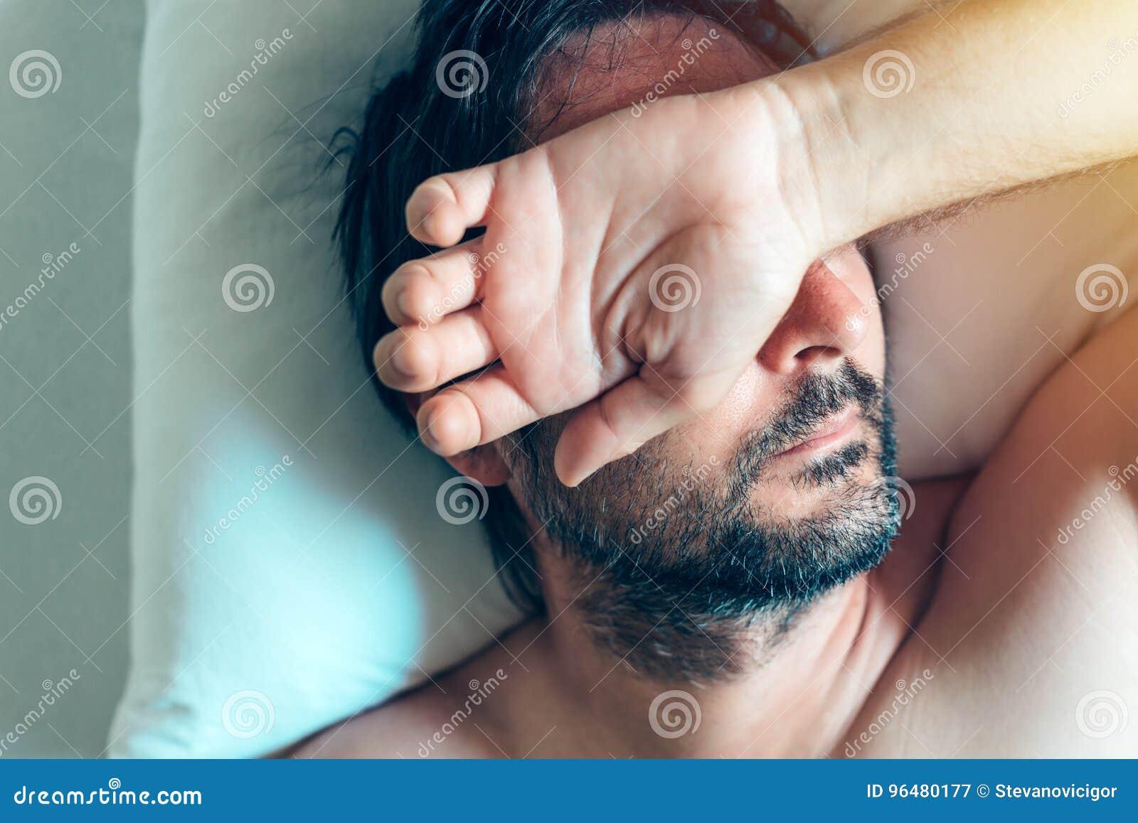 Midlife crisis in men: symptoms 79