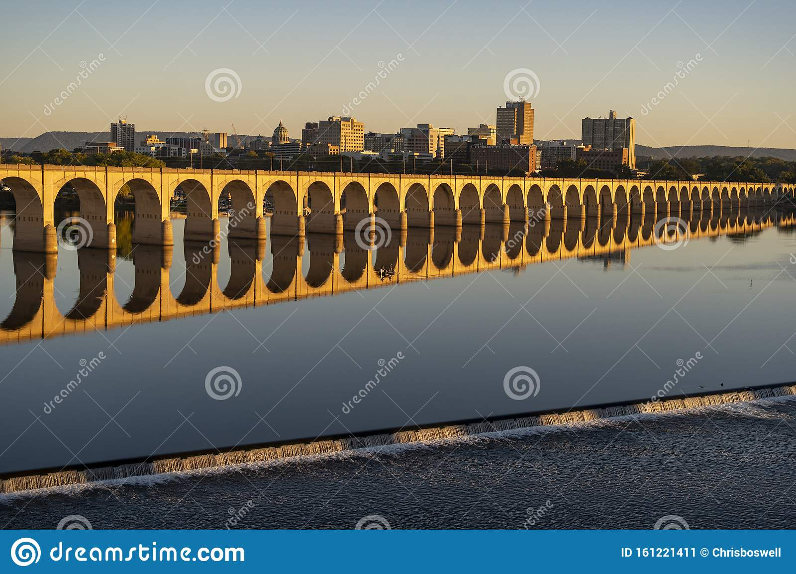 Harrisburg State Capital Of Pennsylvania Along On The Susquehanna River Stock Image Image Of Courthouse Modern 161221411