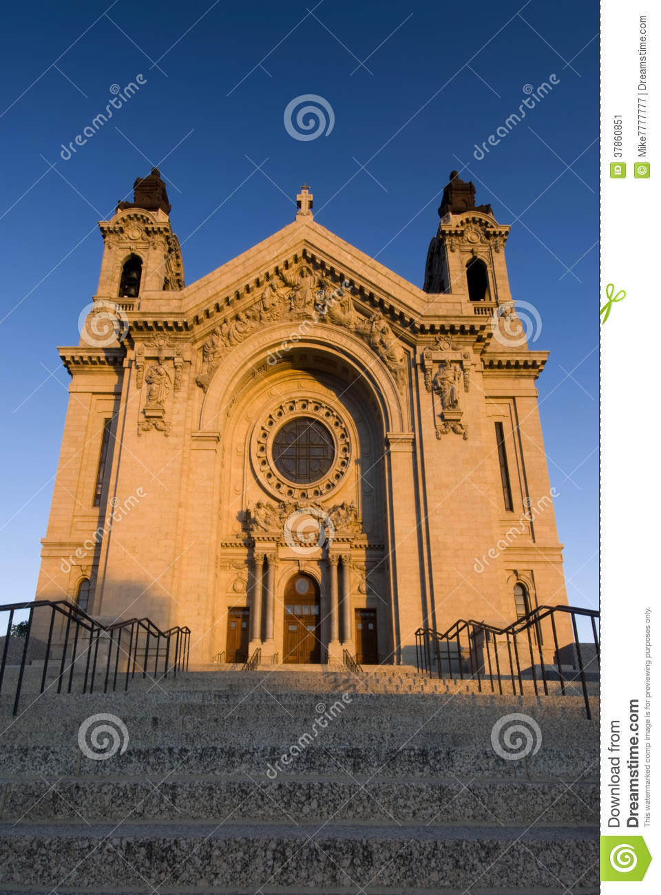 Download Morning Sun On Saint Paul's Cathedral. Saint Paul, Minnesota, USA Stock Image - Image of stone, carving: 37860851